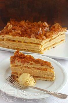 Mi-am imaginat aceasta prajitura cu mere si caramel saptamani in sir, ce umplutura sa fac, ce fel de blat, cum sa fac crema de caramel si mai ales cum...