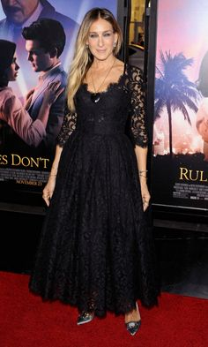 Sarah Jessica Parker in a black lace Dolce & Gabbana dress