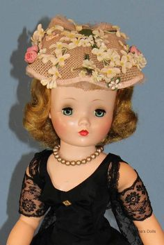 Beautiful 1955 #2091 Madame Alexander Cissy Doll in Black Taffeta & Lace #HardPlasticDoll