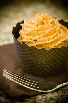 Apple Cobbler Cupcakes with Pumpkin Pie Frosting (from Cupcake Project - cupcakeproject.com)