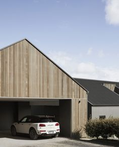 Ceres House by Melbourne based interior, architecture and building designer Dan Gayfer of the Dan Gayfer Design - full interview and project images. New Zealand Architecture, Residential Architecture, Architecture Design, Dream Home Design, House Design, Garage Extension, Gable House, Carport Designs, Exterior Color Schemes