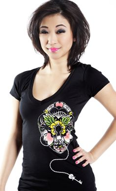 LUCKY 13 HEART LOCK VNECK TEE - need this to match my ink