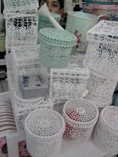 Cajas de ganchillo - Crochet boxes http://www.pinterest.com/gigibrazil/boards/