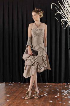b4f431543dfdb 8 meilleures images du tableau Robes de cocktail