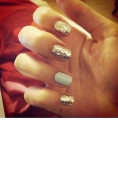 party favors, nail polish, ring finger, silver, glitter nails, nail arts, grey, new years eve, blues
