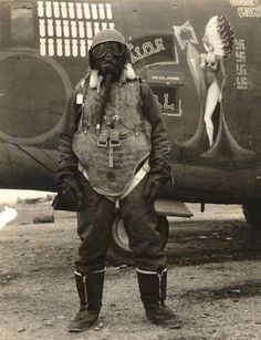 USAAF crewmember in full cold weather gear and flak armor, WWII
