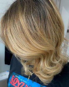 Natural Hair Highlights, Blonde Natural Hair, Blonde Hair Black Girls, Honey Blonde Hair, Hair Color For Black Hair, Cute Curly Hairstyles, Wig Hairstyles, Curly Hair Styles, Healthy Blonde Hair