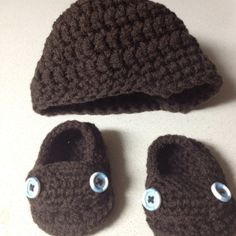 "Crochet baby hat and booties Made by ""hooked on yarn"" on Facebook"