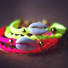 Sea Shell Friendship Bracelet. by makunaima on Etsy