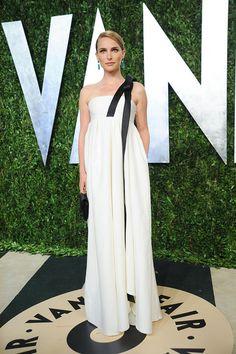 Perfection... VANITY FAIR OSCAR PARTY 2013 -Natalie Portman in Dior