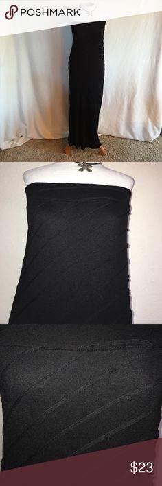 WILLI SMITH BLACK STRAPLESS DRESS/SKIRT Super cute black Strapless dress/skirt with ribbed layered stripes. Willi Smith Dresses Strapless