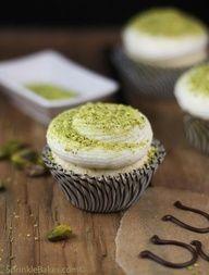 Sprinkle Bakes: Lucky Vanilla Cupcakes