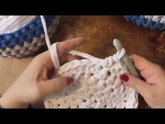 """Kurz háčkování - košík háčkovaný ze """"špaget"""" z tričkoviny 1. díl, Crochet basket - YouTube"""