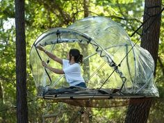 Transparent bubble tents suspended from the ground in France. Camping Near Me, Camping Places, Camping Glamping, Outdoor Camping, Camping Cabins, Beach Camping, Santa Cruz Camping, Week End En Amoureux, Bubble Tent