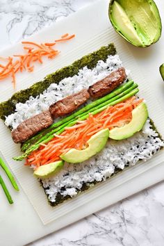 Sushi, a nutritious cold food, is perfect for picnics. Make a sushi snack in the spring, then go hiking together. You are in the right place about Sushi restaurant Here we offer you the most beautiful Sushi Roll Recipes, Veggie Sushi Rolls, Cooked Sushi Recipes, Baked Sushi Roll Recipe, Cooked Sushi Rolls, Easy Sushi Rolls, Sushi Fillings, Diy Sushi, Sushi Party
