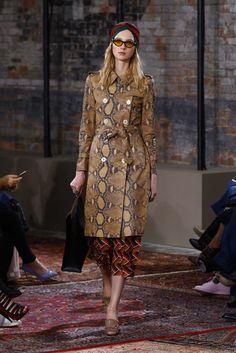 Gucci Resort 2016 Fashion Show - Lia Pavlova