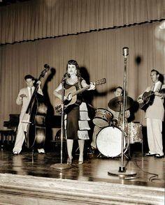 Wanda Jackson & Carl Perkins band 1956
