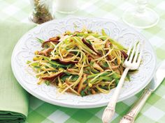 Snow Pea and Bean Sprout Stir-Fry #vegan