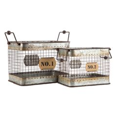 rustic numbered tin and iron basket set. Metal Wall Basket, Metal Baskets, Baskets On Wall, Shabby Chic Homes, Shabby Chic Decor, Country Farmhouse Decor, Farmhouse Style, Farmhouse Rules, Farmhouse Ideas