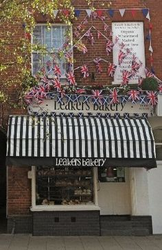 Leakers Bakery are returning again, find them in the Food Hall selling breads, savouries, cakes, biscuits and pastries.