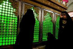 Pavogtas žvilgsnis   Gerda Andrijauskaitė   Hamedan miesto šventykloje, Iranas.