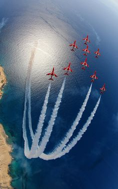 Royal Air Force [RAF], BAe Hawk Red Arrows in Typhoon-Viggen formation. These guys truly are the most elite pilots in the world. *No the Blue Angels from the USA are. Avion Jet, Phoenix Legend, Cool Pictures, Cool Photos, Amazing Photos, Funny Pictures, Amazing Red, Photo Avion, Military Aircraft