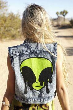 jeansjacket alien tumblr grungeteen grunge nice dark teenie blonde crazy girl cry