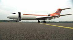 Het vliegtuig is verkocht aan de Australische maatschappij Alliance Airlines voor 3,7 miljoen euro.