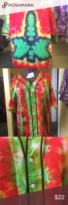 Green Leaf Rasta Tie-dyed Baseball Jersey 2XL Rasta green leaf baseball jersey hand tie-dyed by me! Show off your red, green and gold glory in this 2XL 100% cotton baseball jersey. Pre-shrunk and colorfast so you don't need to worry about bleeding in your wash. The company I get my blanks from has discontinued this style so designs are limited. Shirts Casual Button Down Shirts