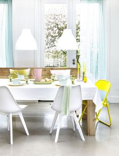 〚 Pastel inspiration by decorator Kim Timmerman 〛 ◾ Photos ◾Ideas◾ Design White Dining Chairs, Outdoor Dining Chairs, Dining Room, Pantone Colour Palettes, Pantone Color, Pastel Interior, Pink Tiles, Amber Interiors, Decoration