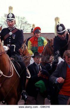 horse-racing-the-grand-national-g9k016.jpg (347×540)