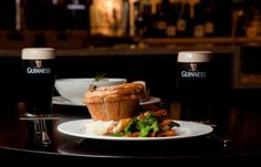 Torta de Carne com Guinness - http://superchefs.com.br/torta-de-carne-com-guinness/ - #Carne, #Guinnes, #Pie, #Receitas, #Torta
