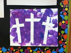 3 crosses Easter preschool or sunday school craft. Make 3 crosses with masking tape, have children paint the whole page, allow to dry and then peel off the tape to reveal this Easter treasure. Write Jesus is alive at the bottom or in the crosses. Preschool Painting, Painting For Kids, Preschool Crafts, Children Painting, April Preschool, Daycare Crafts, Children's Church Crafts, Vbs Crafts, Bible Crafts