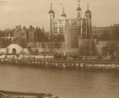 The Tower of London  Amazing Black and White by TheOldBarnDoor