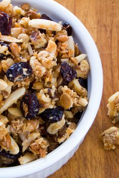 Quick+and+easy+cranberry+walnut+granola+recipe+is+crunchy+and+sweet+with+a+hint+of+tartness+from+the+cranberries+-+a+perfect+homemade+paleo+breakfast+or+snack.+cookeatpaleo.com/cranberry-walnut-paleo-granola