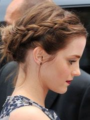 Ooh, I wish I knew how to braid my own hair! ;)