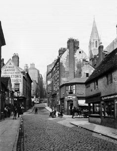 Middle Marsh, Nottingham, c 1893. Looking north from Sussex Street; Narrow Marsh (later Red Lion Street) to the right. High Pavement Chapel can be seen in the background. This area no longer exists; it was demolished in the 1960s to make way for the Broadmarsh Centre.
