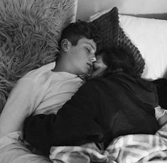 Pictures, couple relationship, petit ami, cute couples cuddling, sleeping c Cute Couples Teenagers, Cute Couples Texts, Cute Couples Cuddling, Cute Couples Goals, Couple Cuddling, Cute Couple Sleeping, Couple Goals Teenagers, Cute Couples Hugging, Teen Couples