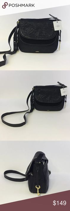 """Fossil Peyton Double Flap Black Crossbody handbag Fossil Peyton Double Flap Black Crossbody handbag ZB6918001. New with tags. Beautiful, perfect condition, never used. Includes original paper stuffing inside bag. Perfect gift. Retails $178. Measures approximately 8""""x8""""x4"""" with an adjustable 23"""" strap drop. Smoke free home. (A29PME) Fossil Bags Crossbody Bags"""
