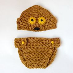 C3PO Droid Crocheted Baby Hat And Diaper Cover From Star Wars For Newborn C3P0 Halloween / Cosplay / Baby Shower Gift
