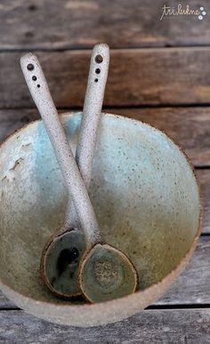 Ana Haberman Salad bowl & serving utensils