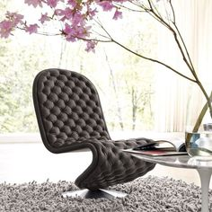 Call it a luxurious masterpiece or a quirky piece of furniture, this Verpan System De-Lux Low Lounge Chair is by no way short of handcrafted splendor. Home Decor Furniture, Cool Furniture, Furniture Design, Plywood Furniture, Office Furniture, Modern Furniture, Interior And Exterior, Interior Design, Interior Colors