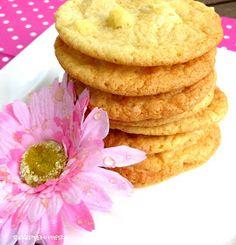 Subway Cookies sind großartig.  Ich habe heute einen original Subway Cookies gekauft , um ihn mit meinem Rezeptergebnis vergleichen zu kön...