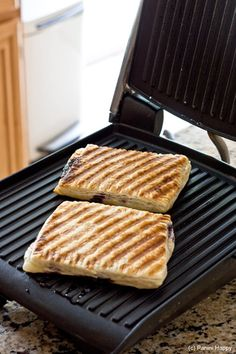 homemade poptarts on the easiest, best, most smart (ie my favorite) kitchen appliance... the panini press.