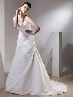 A-Line With Strapless and Sweetheart Neckline Wedding Dress
