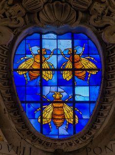 Vitrail représentant les armoiries du pape Urbain VIII, église Santa Maria in Aracoeli, Rome, Italie.