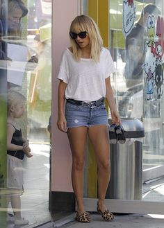 Nicole Richie in Erin Wasson x RVCA