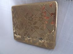 Powder compact unused gold tone with floral trellis decoration. Ideal Mother's Day, Birthday, Anniversary, Bridesmaid Gift by Collectablesgalore on Etsy