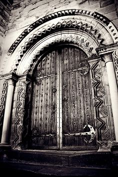 Castle Door... Newcastle-upon-Tyne...