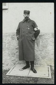 Louis Tardy, directeur d'un hôpital militaire à Bordeaux, 1914-1916.  Directeur de la Caisse régionale de crédit agricole d'Île-de-France (1901-1904) puis inspecteur des caisses régionales de crédit agricole au ministère de l'Agriculture (1904-1914), Louis Tardy dirige un hôpital militaire à Bordeaux de 1914 à 1916. Il retourne ensuite au ministère de l'Agriculture. En 1921, il est nommé directeur du nouvel Office national du crédit agricole.